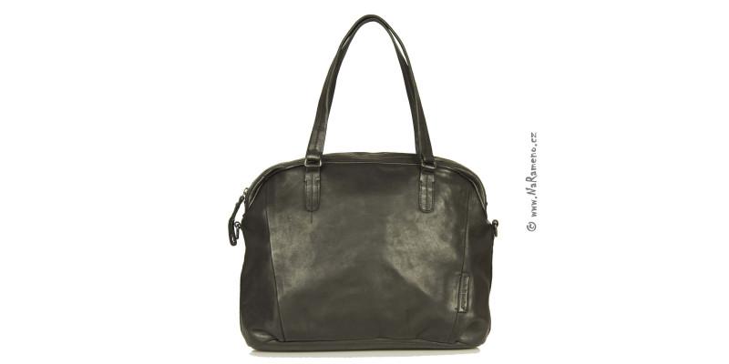Velká kožená kabelka A4 Aunts and Uncles přes rameno Bittersweet černá