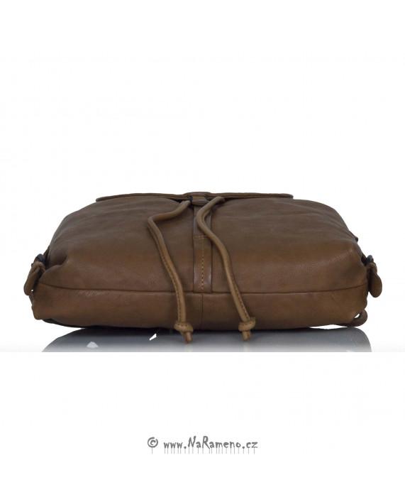 Městský kožený batůžek Aunts and Uncles střední velikosti Foxglove světle hnědý